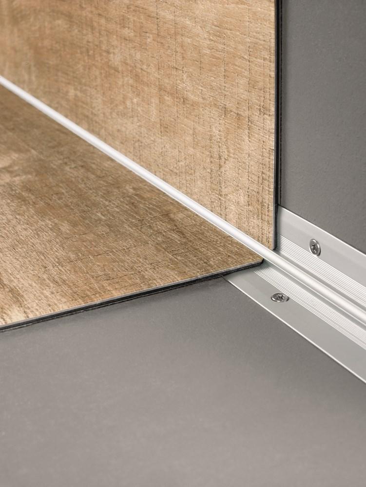 https://www.ez-catalog.nl/Asset/6c85d0388c9f43b8b008cc21caa19896/ImageFullSize/QSVSTPINGLUE-StairProfile-Glue01.jpg
