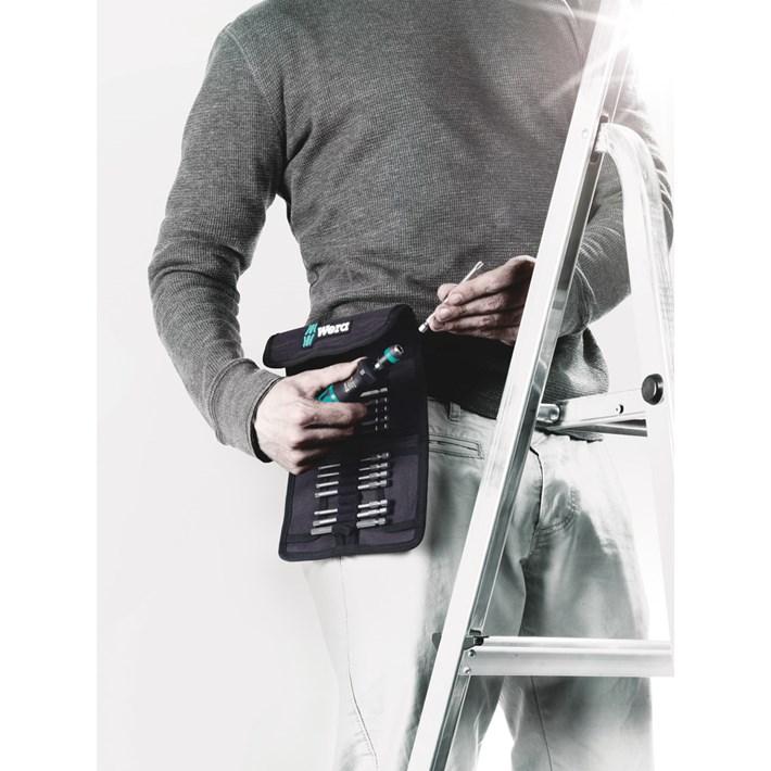 <b>Voor gebruik in de werkplaats en onderweg</b><br/>Vaak moet de gebruiker zijn gereedschap zowel op het bedrijf als voor mobiele klussen gebruiken. Tevens beslist deze pas ter plekke of handmatig of machinaal geschroefd moet worden. Met de gereedschapssets Kraftform Kompakt heeft de gebruiker met één set voor beide methodes het juiste gereedschap bij zich. Bovendien zijn de sets in riemetuis of kunststof dozen netjes en overzichtelijk opgeborgen: dit is zowel voor transport en gebruik praktisch.